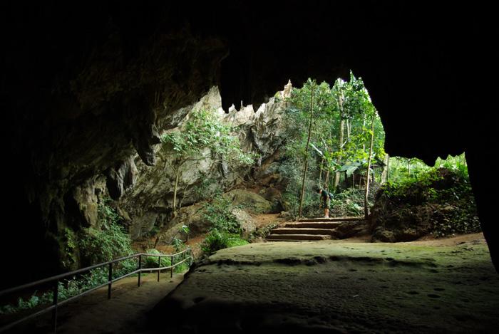ถ้ำหลวงขุนน้ำนางนอนเป็นถ้ำหินปูนขนาดใหญ่